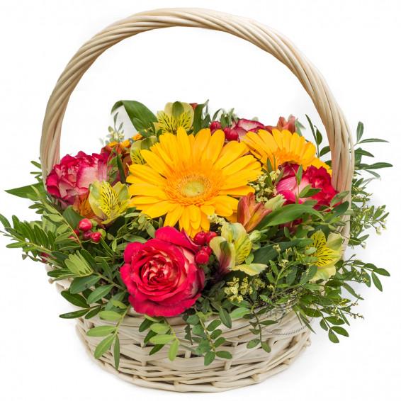 Цветы в корзине «Кладовая солнца»