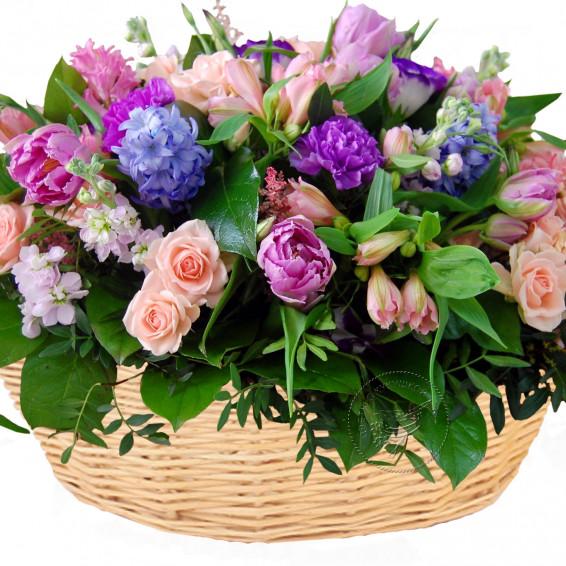 Корзина цветов  «Весенний бал»