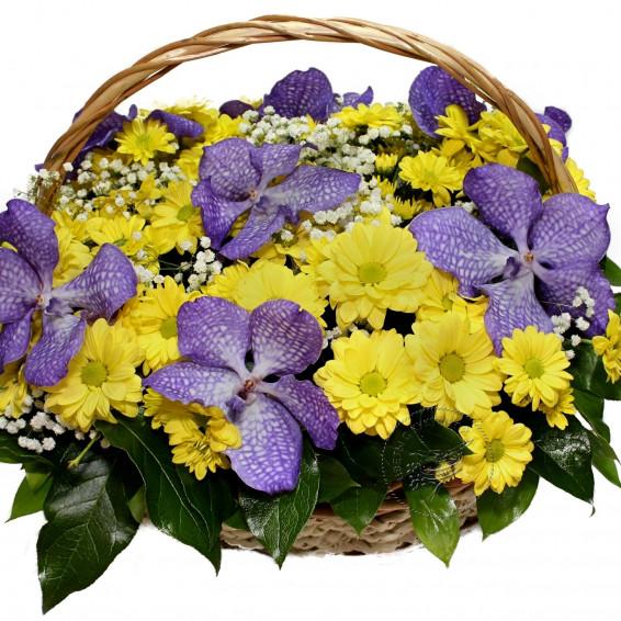 Корзина цветов «Вальс бабочек»