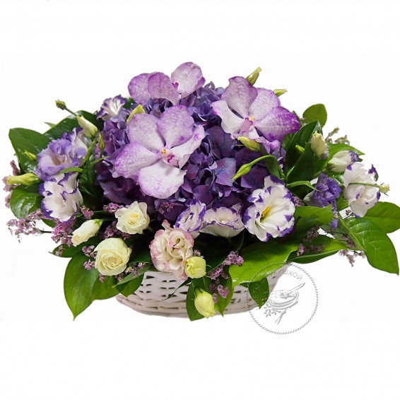 Корзина цветов «В ожидании встречи»