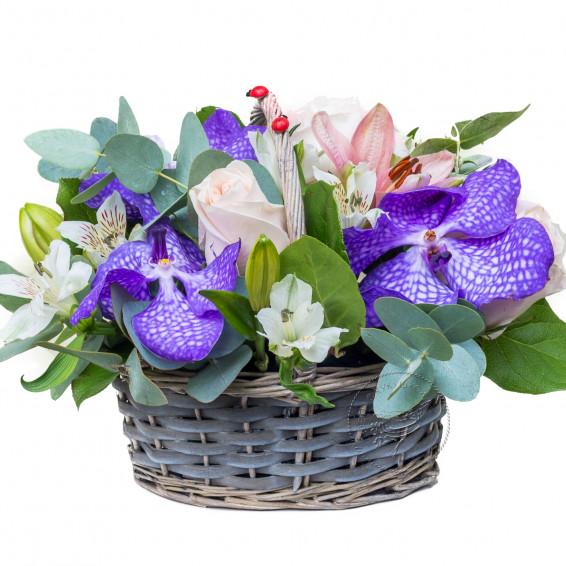 Корзина цветов «Жемчужина острова»