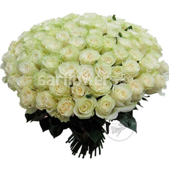 """Букет из 101 белой розы """"Мондиаль"""" высотой 50 см."""