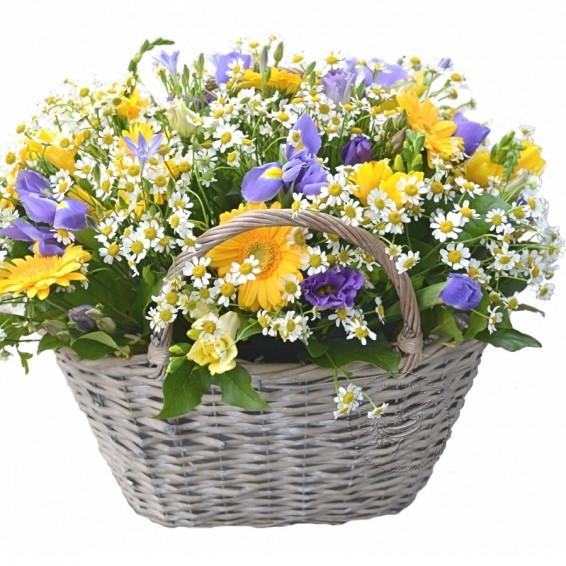Цветы в корзине «Аромат весны»