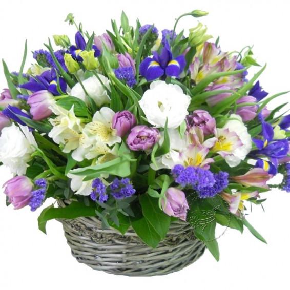 Цветы в корзине «Весенний дождик»
