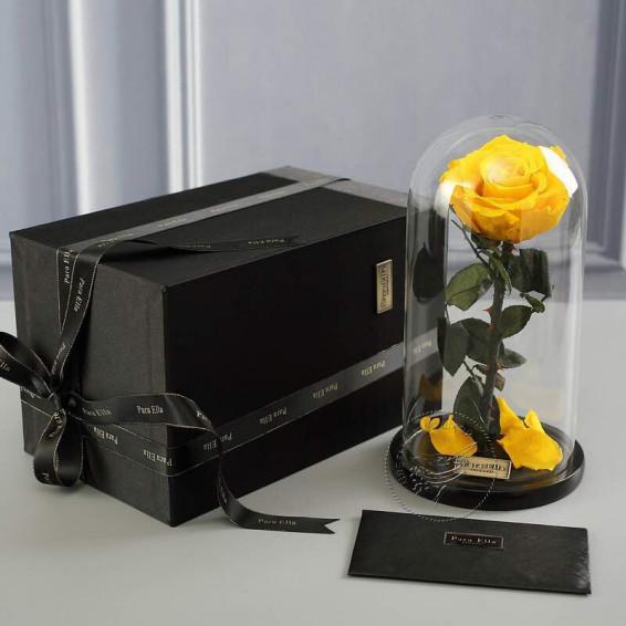 Роза в колбе жёлтая