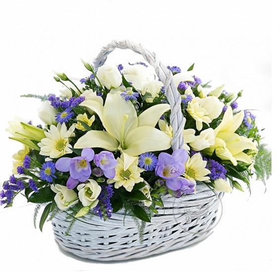 Корзина цветов «Северное сияние»